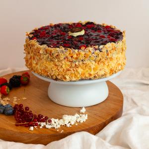 Nyírfacukros Erdei Gyümölcsös Túró  torta 10 szeletes