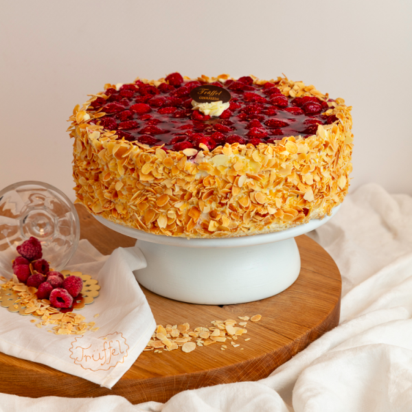 Nyírfacukors Málnás Túró torta 10 szeletes