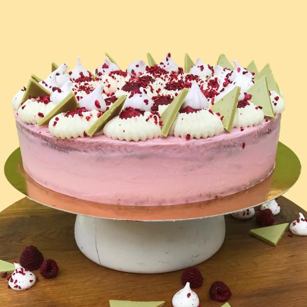 Boldogasszony Csipkéje Magyarország tortája 2019 (16 szeletes torta)