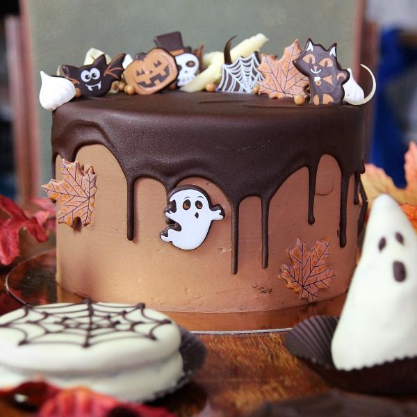 Halloween Díszítésű Csokoládé torta