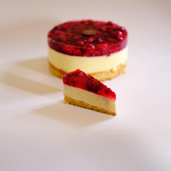 Cukor- Liszt- és Tejmentes Málnás Túró tortaszelet
