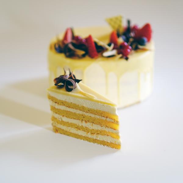 Fehércsokis Trüffel tortaszelet