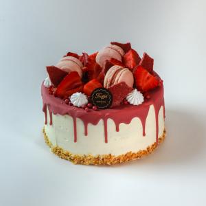 Kacattorta Ruby csokoládés díszítéssel, (6 féle ízben választható)